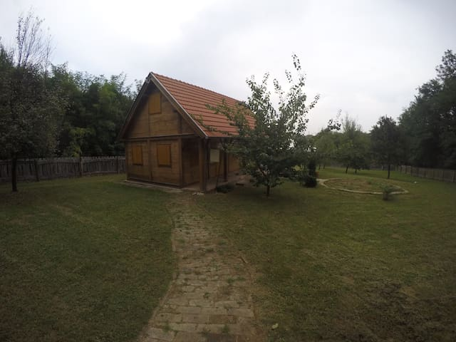 Wooden house,nature,ideal getaway! - Vrbica - Talo