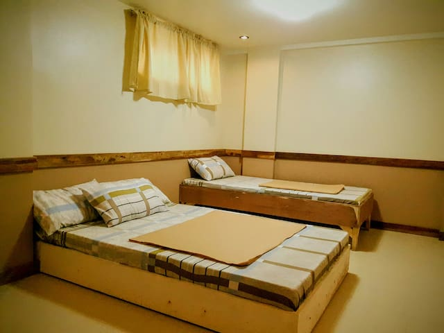 Comfy Couple's Room with Private Bath