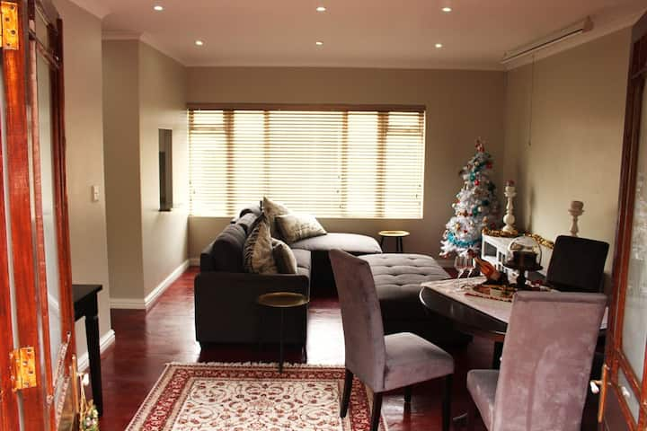 Black sheep self catering apartment - The Barn