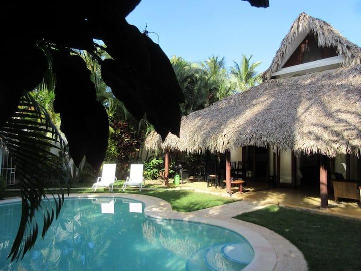 Adorable villa avec piscine à 300 m de la plage