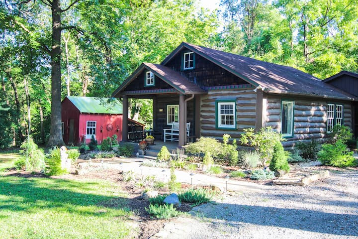 The Bent Branch Lodge - A Gnomes Retreat – Historic Virginia Log Cabin, Coy Pond & Babbling Brook