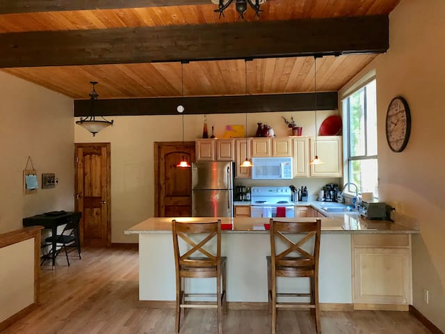 Cozy Condo One Block From Lake Tahoe!