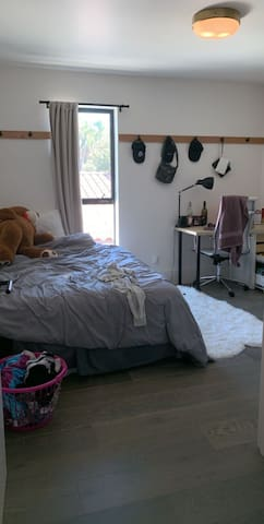 Private Room In Hollywood Sublease