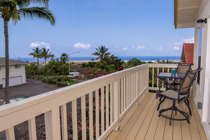 Newly Built North Kona Apartment