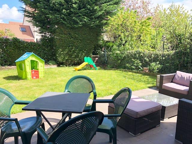 Maison avec Jardin 4 ch, proche Versailles Paris