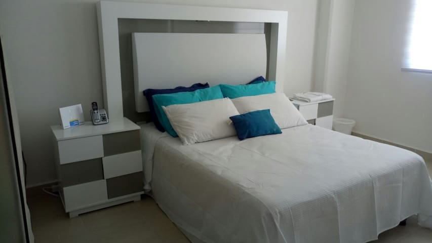 APT. WITH POOL & GYM, TRANSFER INCLUDED - Cancún - Flat