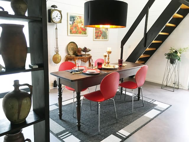 Comfortable apartment  90 sqm and lots of light