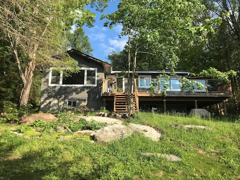 Newly Renovated Waterfront Muskoka Cottage