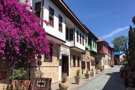 Deluxe Double Room - Antalya - Bed & Breakfast