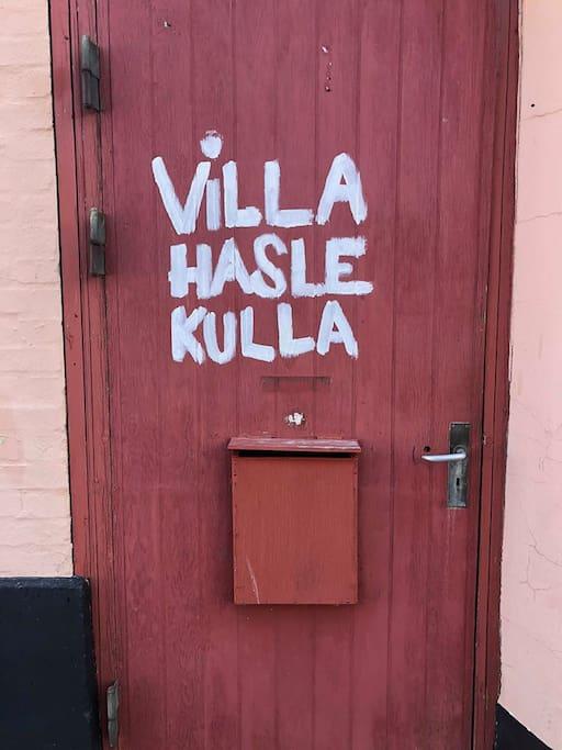 Hoveddøren, som man bare ikke tager fejl af :-D