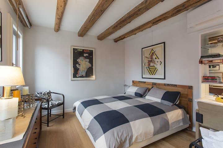 Camera da letto, con possibilità di avere un letto matrimoniale o due letti singoli separati (su richiesta dell'ospite)