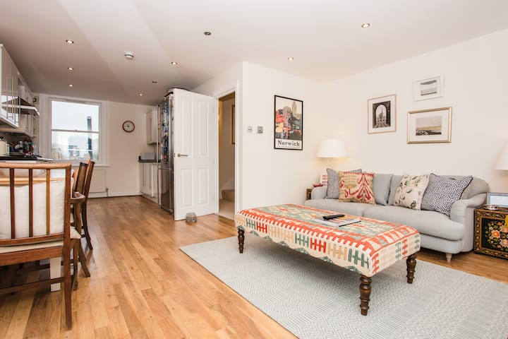 Bright and Spacious 1 Bed Apartment in Islington