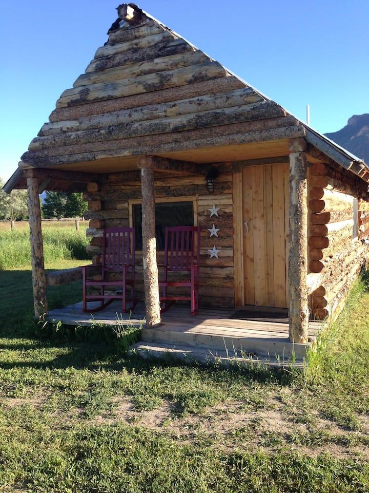 Cozy Rustic Cabin