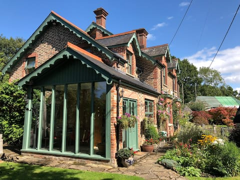 Rural Victorian Cottage - Whole house country stay