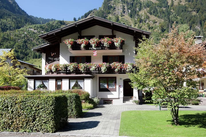 Spacious Holiday Home in Salzburg near Zell Am See Ski Area