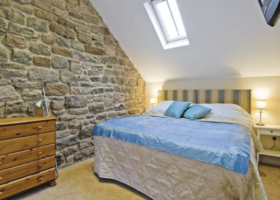 Pig Run Barn master can be arranged as a King or twin ensuite room