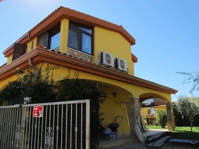 Villa immersa nel verde, pochi chilometri dal mare - Olia Speciosa - Lägenhet