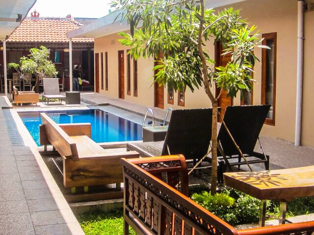 Large 12 bedroom house with swimming pool - Ngaglik - Rumah Tamu