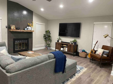 Quiet, Modern, spacious, cozy home.