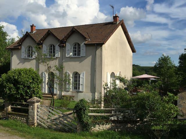 Chambre d'hôte La Petite Bourgogne - Poil