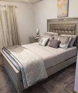 Convenient luxury @Airbnb hosting services LLC  R2