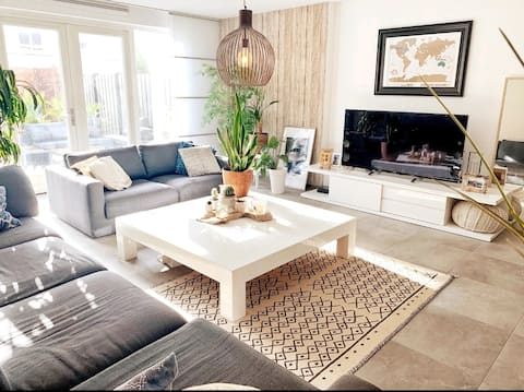 Large & Cozy Beach Townhome