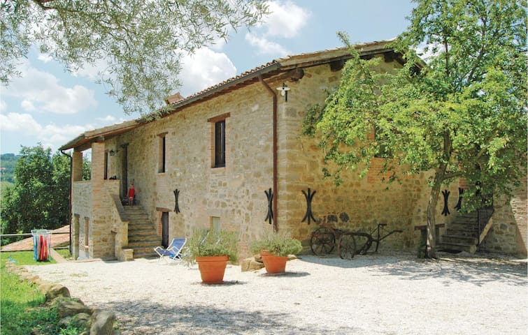 Holiday apartment with 2 bedrooms on 65 m² in Gubbio PG