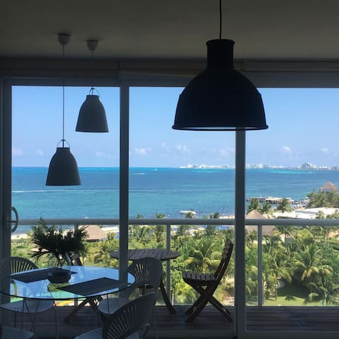 Amazing beach front apartment 7th  floor