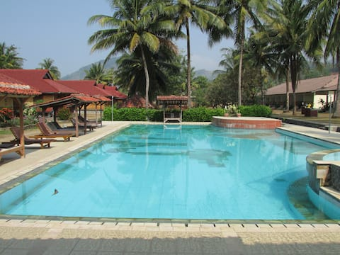 Poolfront traditional bungalow with AC 3-br