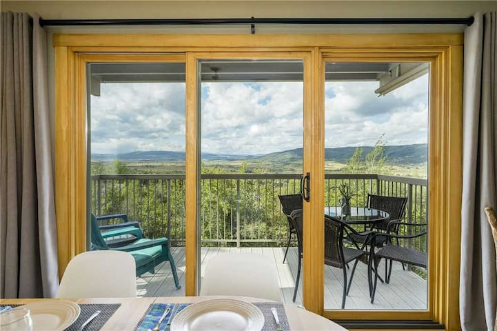 Discounted Steamboat Lift Tickets! Stunning 2 Bedroom Condo, Amazing Valley Views! - Yampa View 105
