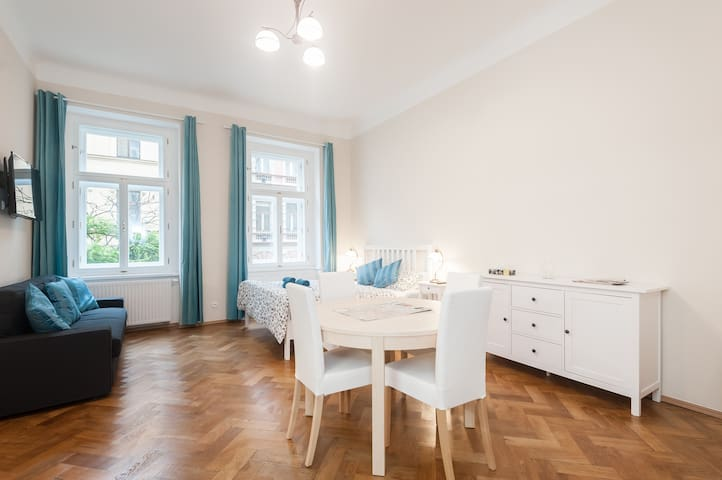 Family apartment near the historic centre
