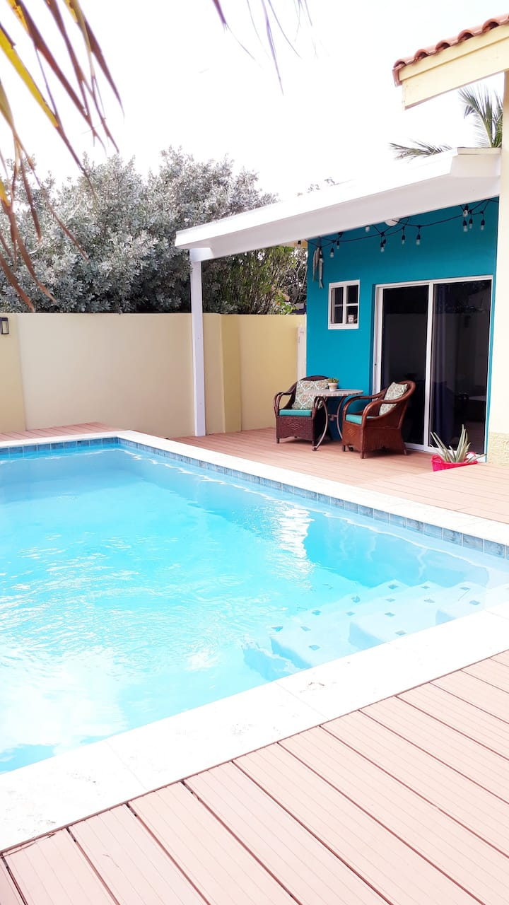 New modern spacious 1 bedroom apartment with pool