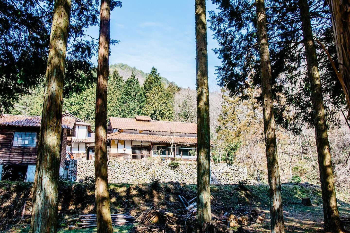 Hello, we are Kurashijuku-ofuru. Please come to see real and traditional Japanese life in Country side!