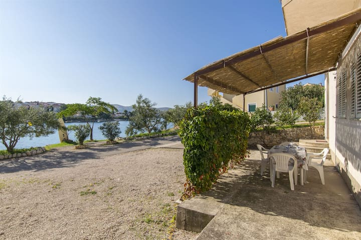 Two Bedroom Apartment, beachfront in Zaboric (Sibenik), Terrace
