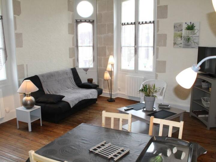 Appartement T2 en Face des Thermes du Saint Roch. - FR-1-541-39