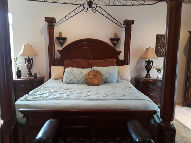 Private Serene Traditional Master Suite on a Lake
