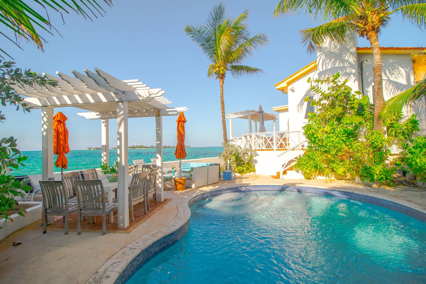 step straight from the pool into the sea and then back into the pool! Private and secluded