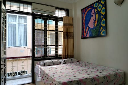 Bright room near the Old Quarters - Hanoi - Huis