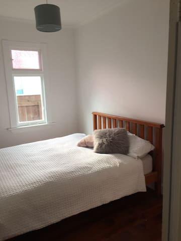 Double bedroom available - Whanganui - Hus