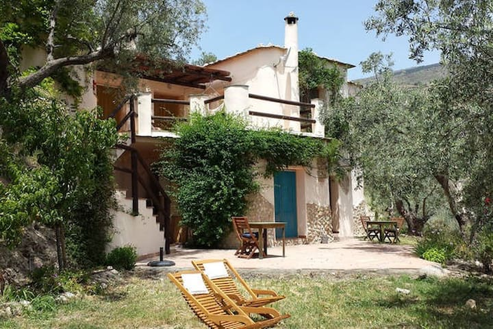 Charming eco finca in Olive grove - Orange bedroom - Lanjarón - Huis