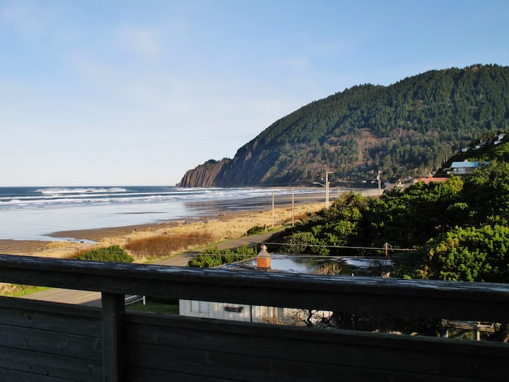 ABOVE THE BEACH~ Steps to the beach with spectacular ocean and mountain views - 3 Bedroom, 2 Bathroom