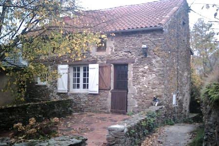 LA VIALETTE - House