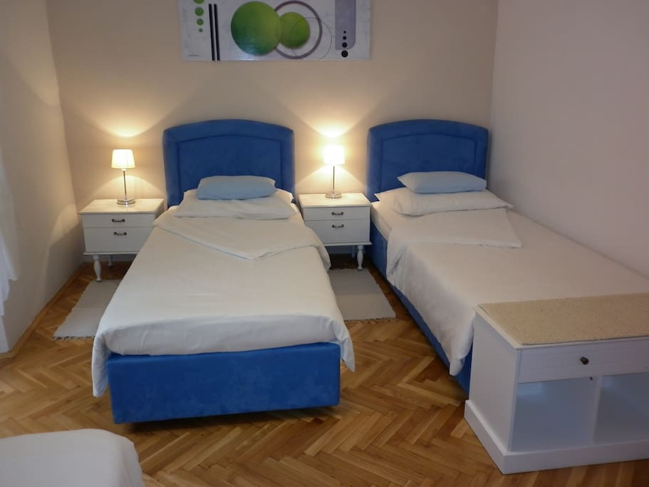 Bedroom, double bed separated