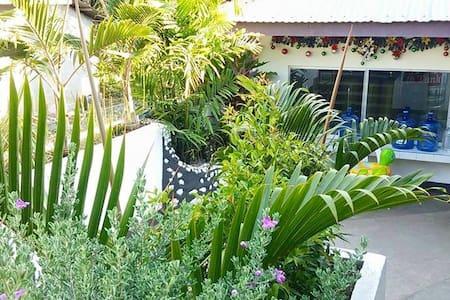 Alona Springs Panglao - Apartment
