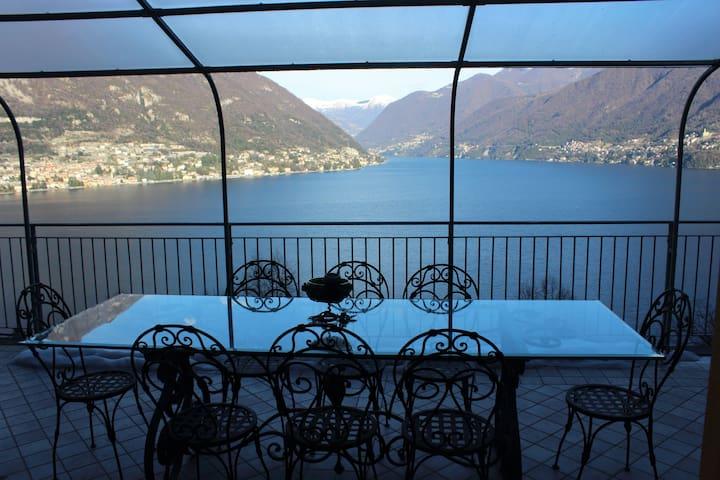 Villa Irina with fantastic lake view