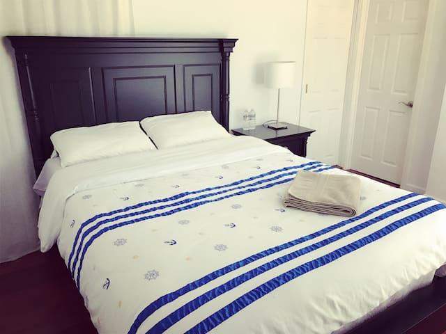NO.11Queen Size Bed+bathroom 主卧独立卫浴