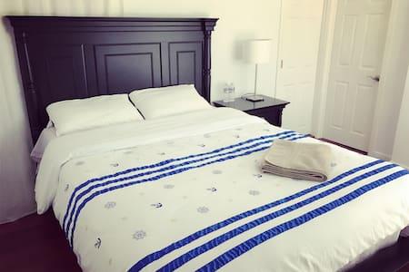 NO.11Queen size bedroom 独立卫浴 - Роулэнд-Хайтс - Дом