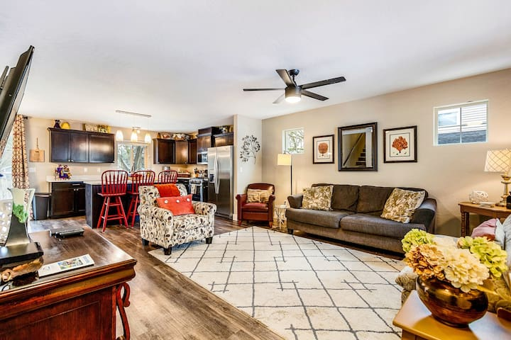 Modern, dog-friendly home w/ private hot tub, smart TVs & great location!