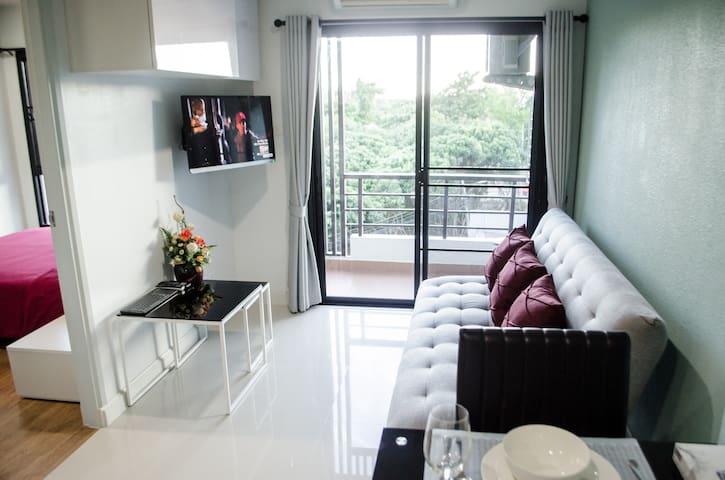Luxury Condo Unit With Pool & Gym