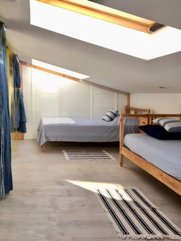 Kid's room, 3 single bed room
